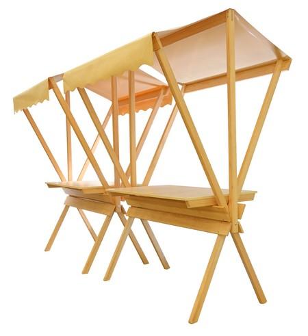 présentoir bois avec plan de travail et auvent en tissu